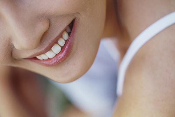 歯の表面の汚れを落とすクリーニング